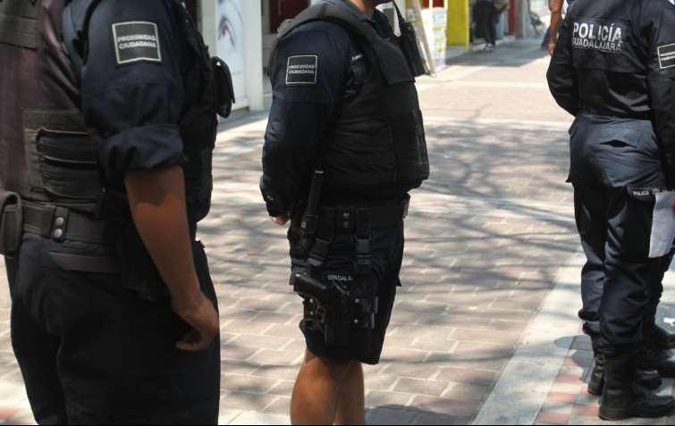 Sujeto regala comida envenenada a policías por su trabajo en Chicoloapan, Edomex
