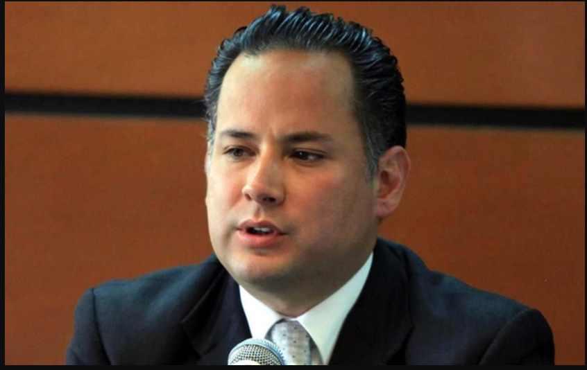 Investiga UIF a 49 administradores aduanales por posible lavado de dinero