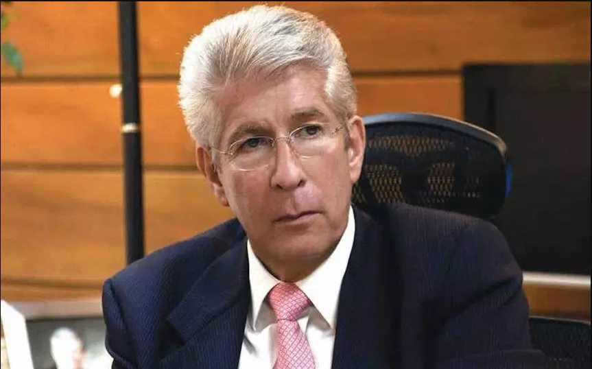 Autoridades bancarias van por Ruiz Esparza, el ministro mimado de Peña Nieto