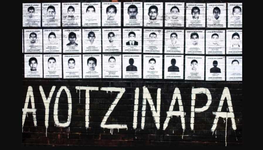 AMLO recibe a padres de los 43 normalistas de Ayotzinapa en Palacio Nacional