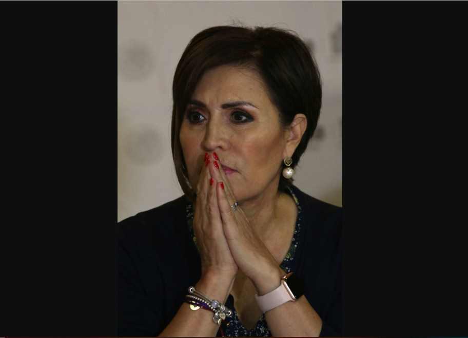 Rosario Robles está 'desesperada, enferma y se siente traicionada': abogado