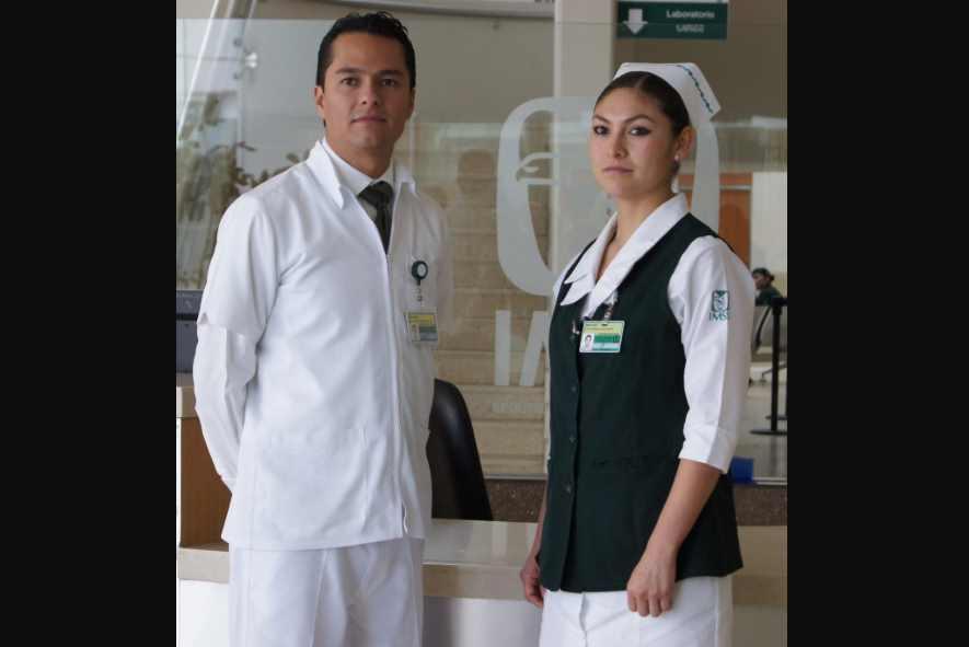 AMLO felicita y agradece a enfermeras y enfermeros por su día