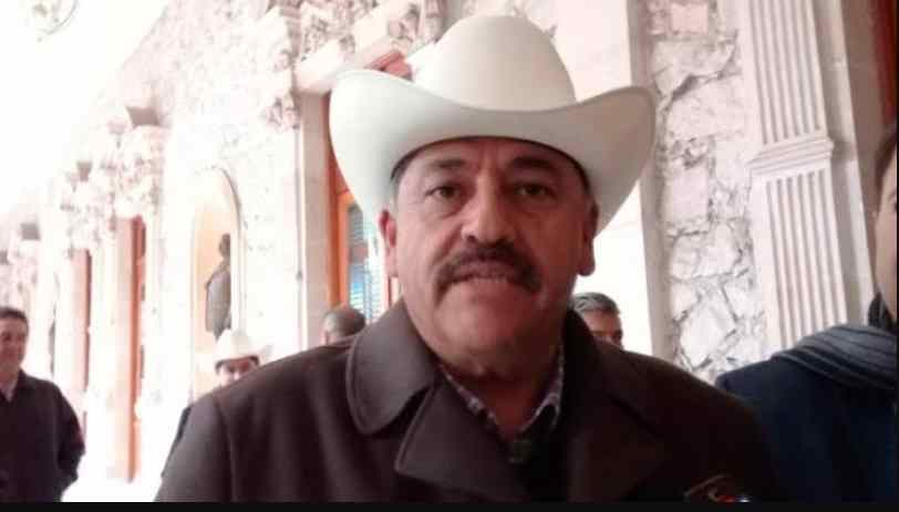 Inducen a coma a Alcalde de Cuauhtémoc tras caer de caballo