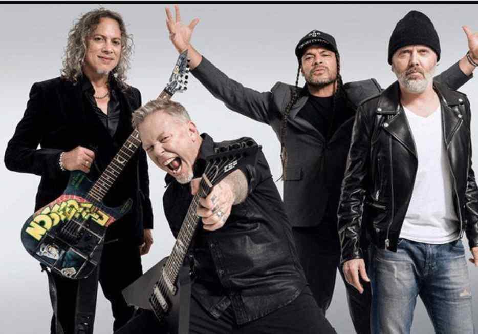 Metallica dona 750 mil dólares para combatir incendios en Australia