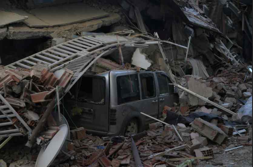 Otro terremoto de 5.1 sacude la zona afectada de Turquía