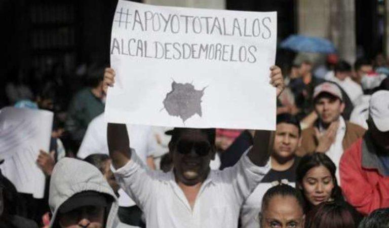 Alcaldes se manifiestan contra Cuauhtémoc Blanco por recursos