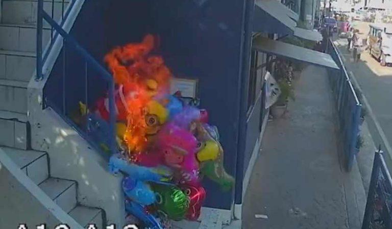 Prenden fuego a vendedor de globos 'por diversión'; se encuentra grave | VIDEO