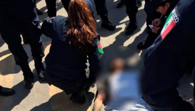 Chalco: Vecinos apalean casi hasta la muerte a presuntos asaltantes