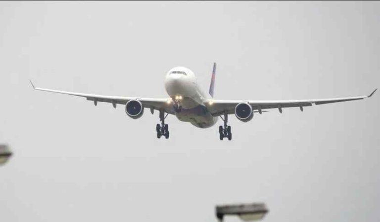 Coronavirus: aerolínea suspende servicio durante 3 semanas, sin goce de sueldo a empleados