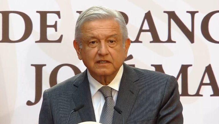 AMLO rinde honor a memoria de Madero y Pino Suárez; condenó a traidores