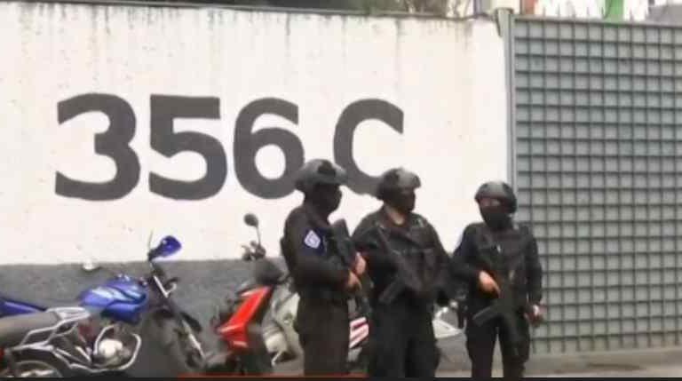 Caen dos presuntos  secuestradores en CDMX, rescatan a mujer