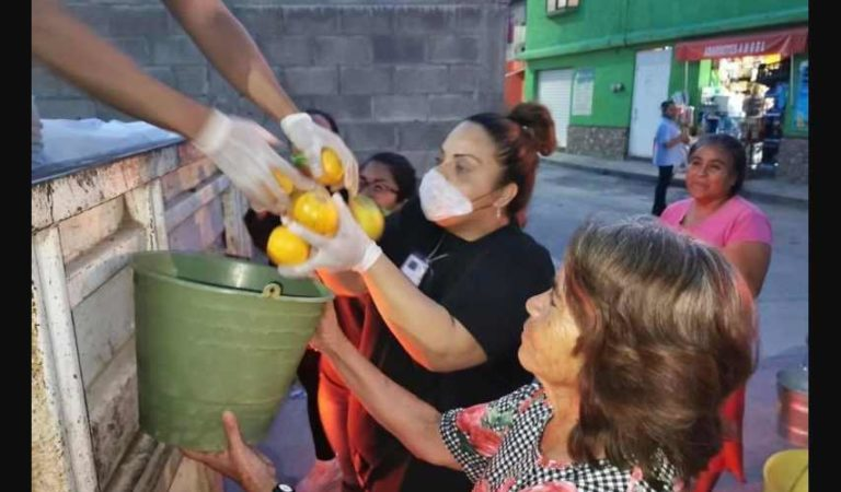 Diputado reparte toneladas de naranja y limón en SLP; lo tunden en redes