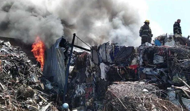 Se incendia recicladora en Tonalá, Jalisco