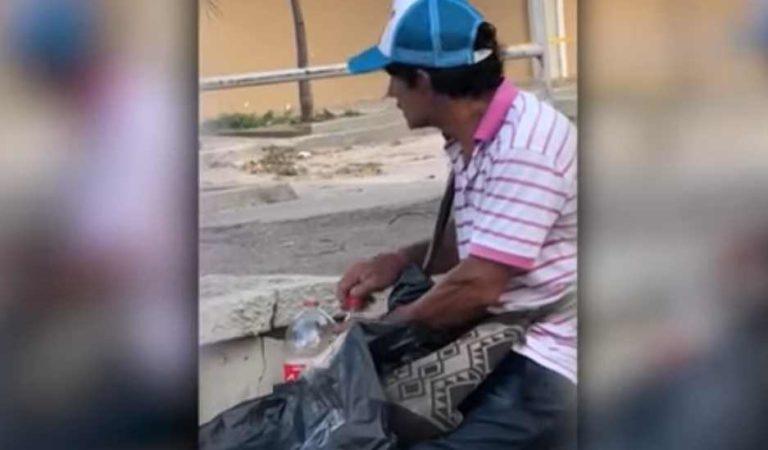Coca Cola: así rellena vendedor callejero las botellas usadas   VIDEO