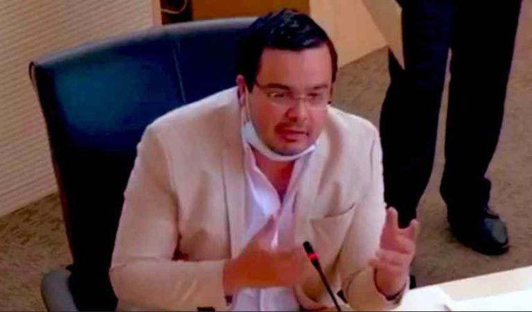 Sacan a Diputado por toser en pleno congreso en Guanajuato