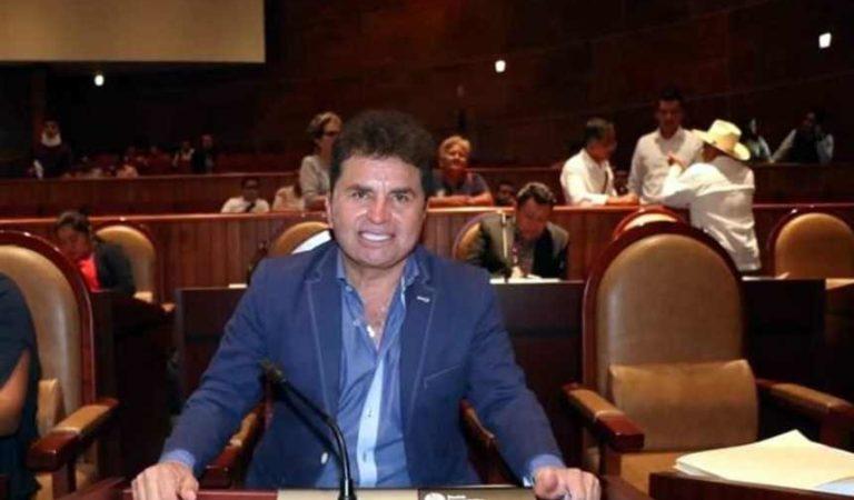 Juan Vera, así creo su emporio millonario, con sueldo de maestro de secundaria