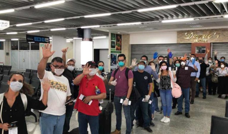 Llegan 159 mexicanos atrapados por el cierre de fronteras ante el Covid-19