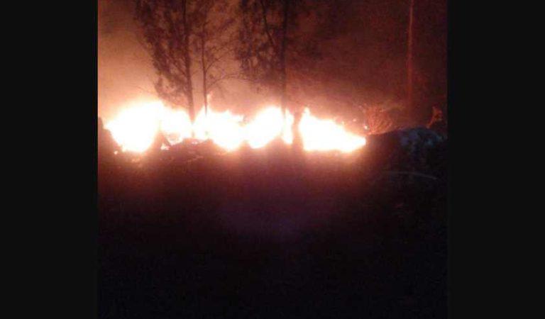 Reportan incendio en pastizales del Cerro de la Estrella, en Iztapalapa
