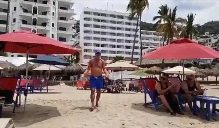 Reportera es agredida por turistas extranjeros; los exhibe en playa durante cuarentena