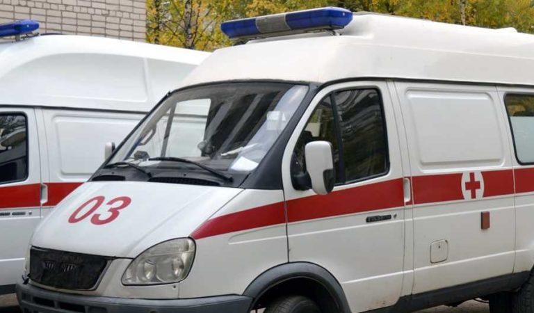 Sujetos rocían gasolina y prenden fuego a ambulancias en CDMX (video)