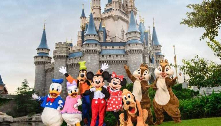 Disney World dejará sin sueldo a 43 mil trabajadores por Covid-19