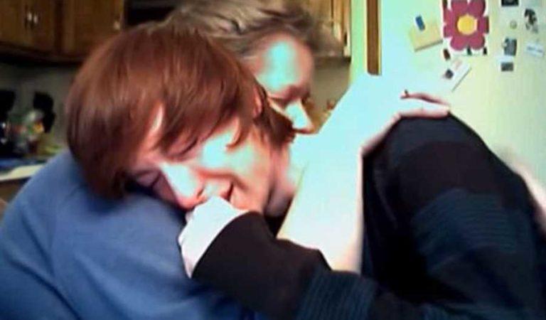 La reacción de una madre al enterarse que su hijo es Gay (video)