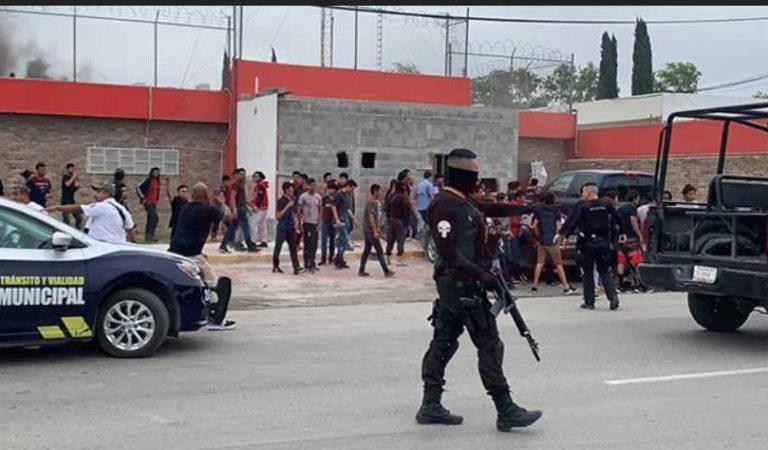 ¡Nos queremos ir! migrantes incendian albergue en Coahuila para escapar (VIDEOS)