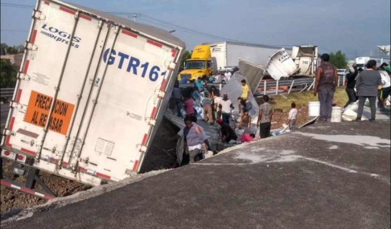 Azúcar robada por pobladores de Celaya es tóxica; autoridades piden evitar consumo