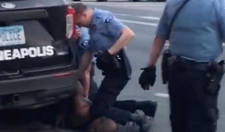 Detienen a policía acusado de asesinar a George Floyd