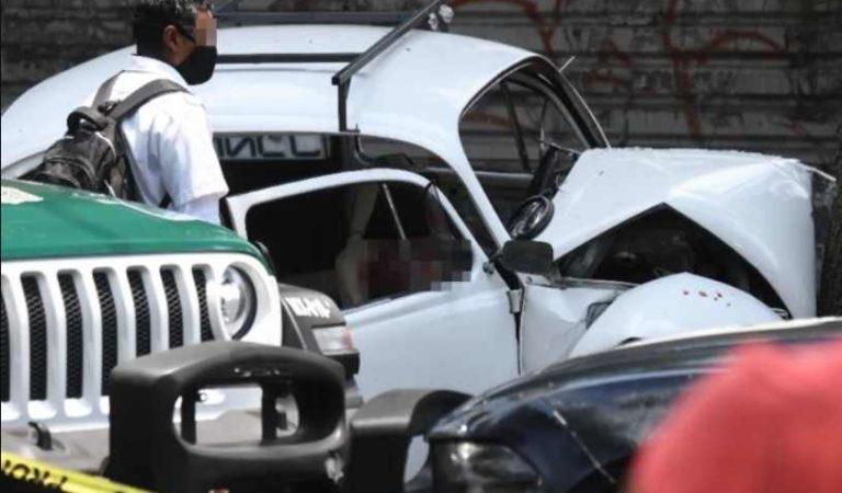 Hombre choca y abandona el cuerpo de su madre, hermano y cuñada en Xochimilco