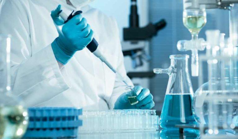Gran Bretaña, EU y Canadá acusan a Rusia de robar información de vacunas contra Covid-19