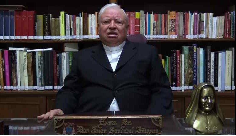 """Arzobispo molesto por cierre de iglesias por """"disque pandemia"""" (video)"""