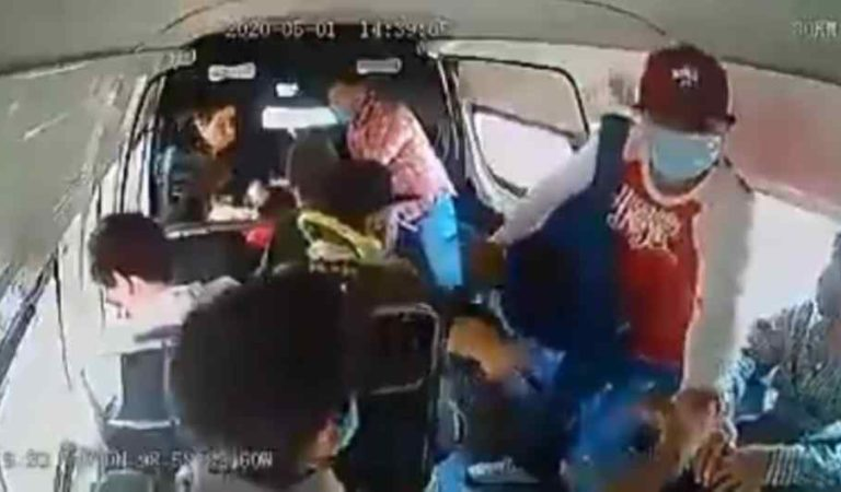 Hasta delincuentes usan cubrebocas para asaltar a combi en Edomex (video)