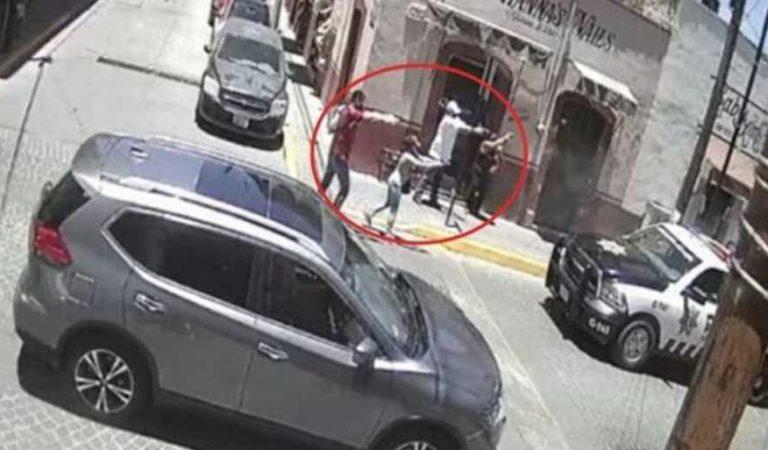 Sujetos atacan a balazos a policías en Zacatecas; ambos salen ilesos (video)