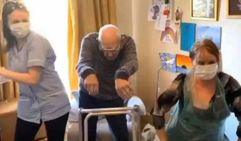 Muere por Covid-19 enfermera que se viralizo bailando con paciente de 102 años