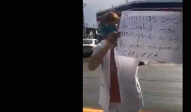 Enfermera rompe en llanto al ver largas filas para comprar cerveza en Chihuahua (video)