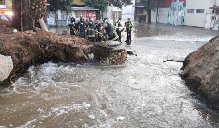Ruptura de tubería provoca mega fuga de agua en la GAM; deja más de 20 casas inundadas