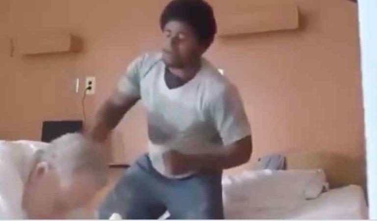 Exhiben a joven golpeando a viejito en asilo provocándole lesiones en la cabeza (video)
