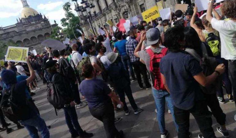 Denuncian desaparición de jóvenes tras protestas por la muerte de Giovanni López en Jalisco