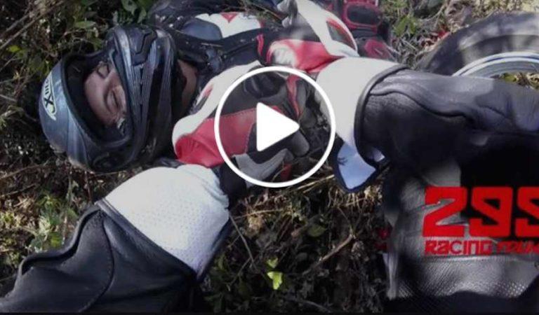 Motociclista cae a barranco tras perder el control; es sometido a dos cirugías   VIDEO