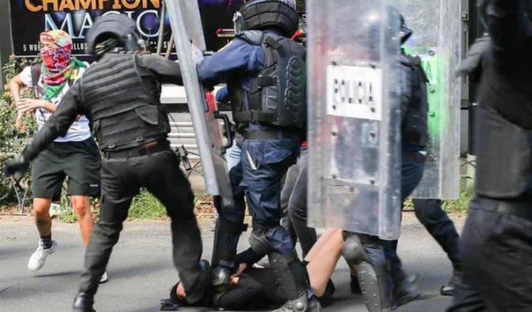 Dan prisión preventiva a policías de la SSC por patear a Melanie