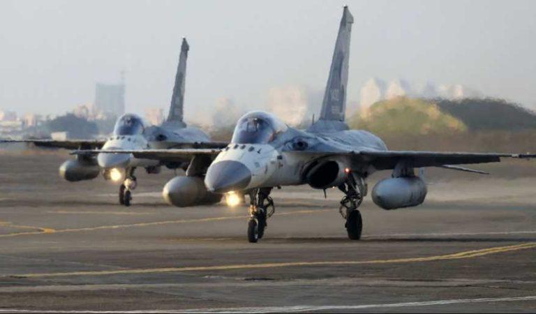 China se enfurece con EU por avión que voló sobre Taiwán