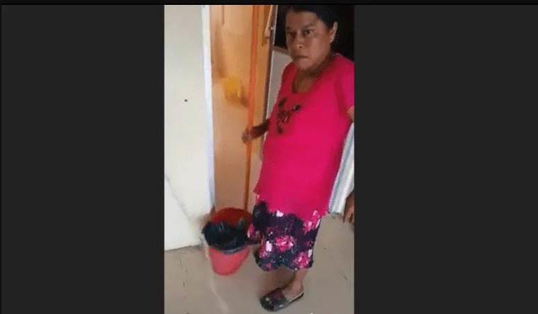 Funcionaria humilla a mujer humilde: 'Que bonita te ves trapeando maldita criada'   VIDEO