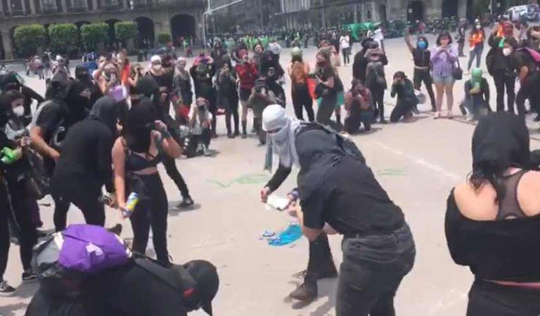 Feministas protestan en el zócalo de la CDMX tras rechazo de la SCJN a la legalización del aborto