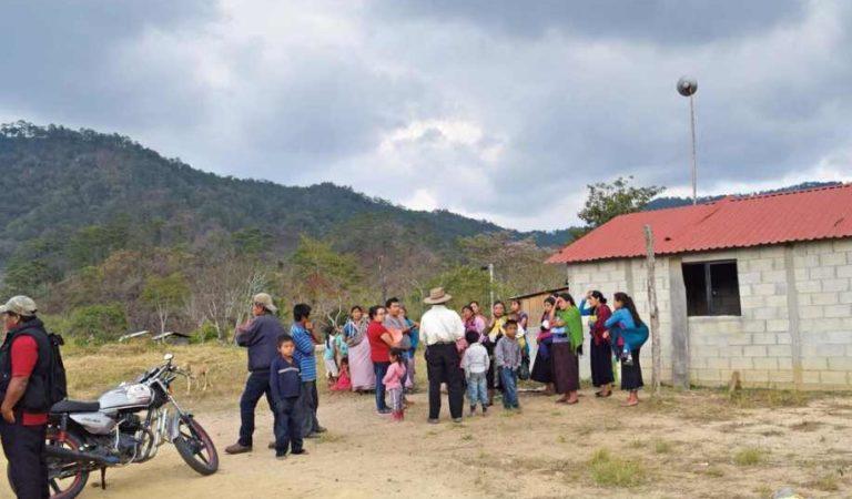 Indígenas mueren de 'tos, calentura, dolor de pecho' y no saben la razón en comunidad de Oaxaca
