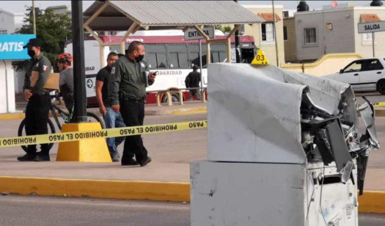 Ladrones utilizan grúa para arrancar cajero automático en Culiacán | FOTOS