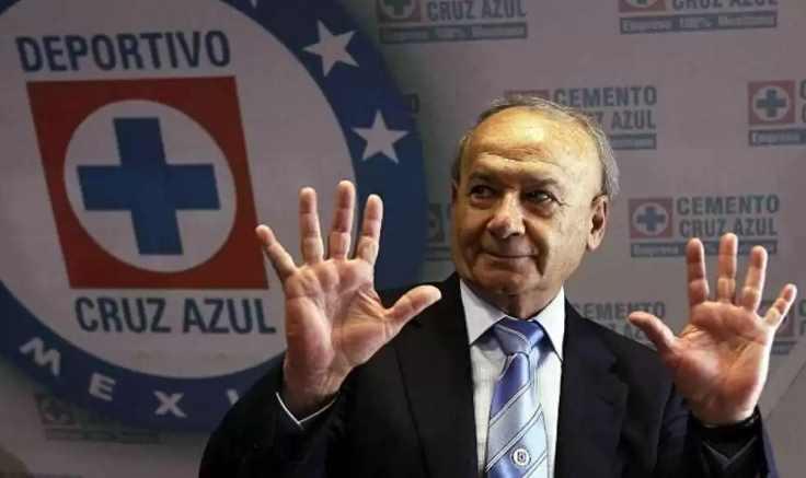 Billy Álvarez renuncia al Cruz Azul; luego de una orden de aprehensión