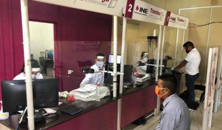 INE reinicia operaciones; sólo entrega de credenciales y bajo previa cita