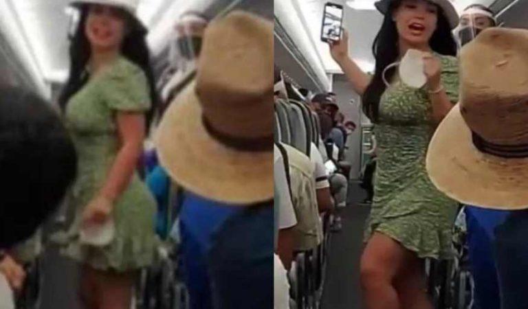 LadyCovid: 'qué le hacen, si a todos nos vale verga el Covid'; bajan a mujer de avión por subir sin cubrebocas