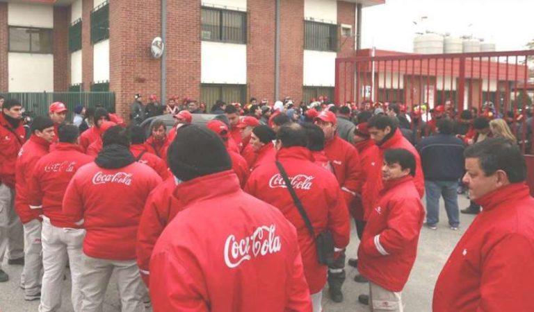 Coca Cola anuncia despidos y retiros voluntarios; crisis tras pandemia